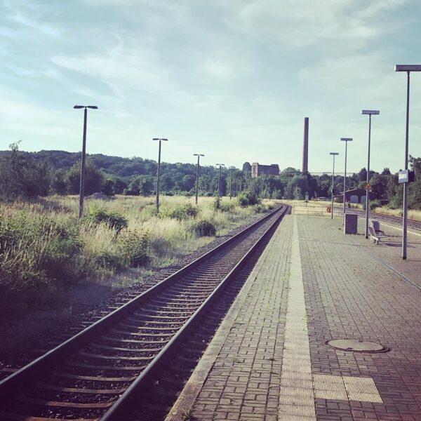 150 Jahre Eisenbahnstrecke Gotha – Mühlhausen – Leinefelde: Elektrifizierung und weitsichtige Ausbauplanung statt Schmalspuragenda!